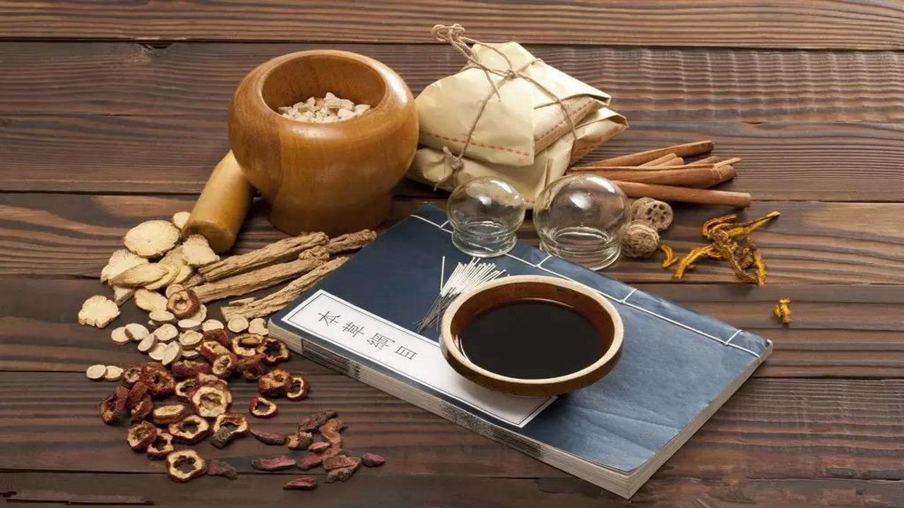 Jingfang - Le formule classiche della fitoterapia cinese con Salustino Z. Wong